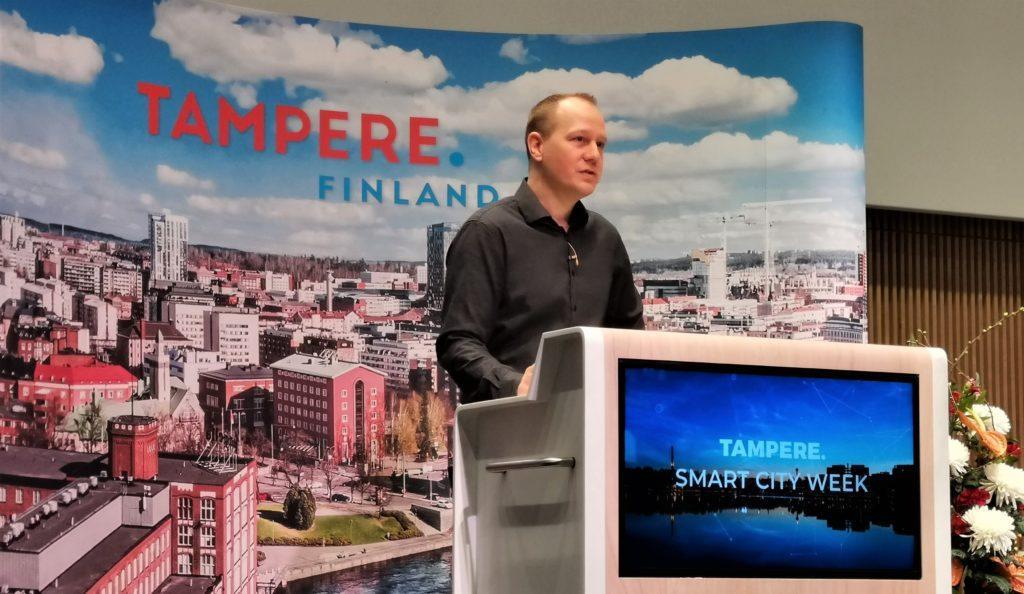 Ari Kulmala presenting